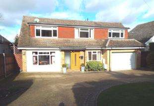 4 Bedrooms Detached House for sale in Leaves Green Road, Leaves Green, Keston, Kent