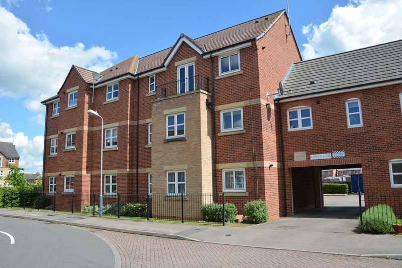 2 Bedrooms Flat for sale in Brodie Close, Rugby