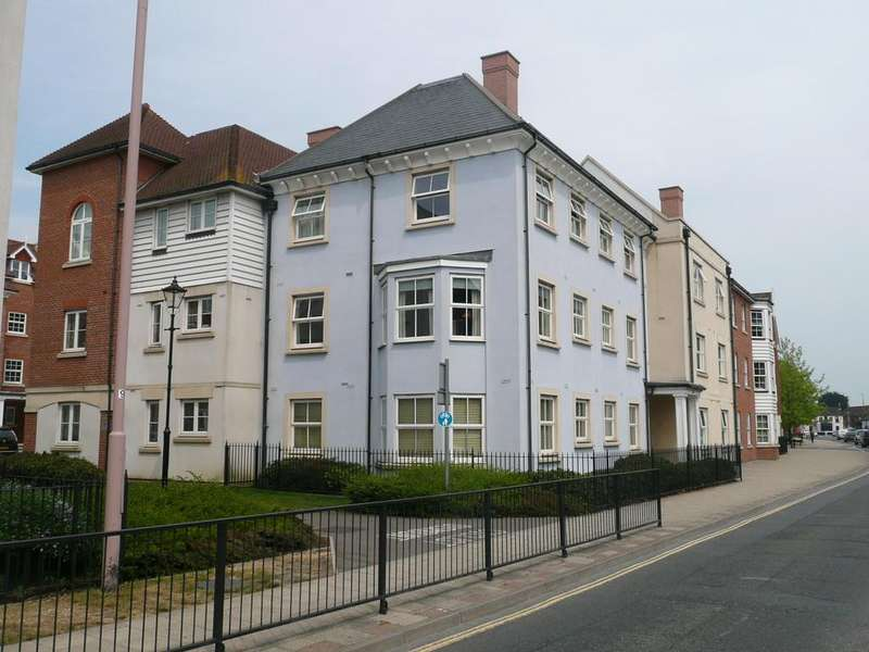 2 Bedrooms Apartment Flat for sale in St. Agnes Place, Chichester