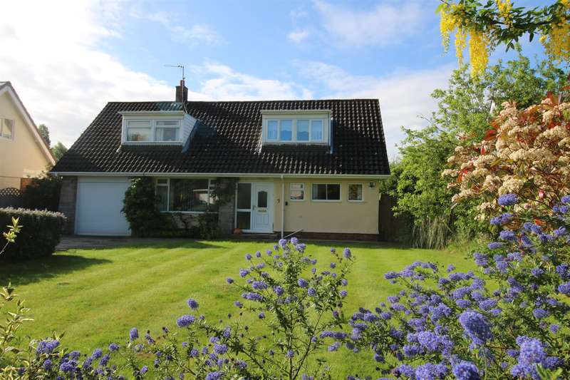 4 Bedrooms Detached House for sale in Thornton Crescent, Gayton, Wirral, CH60 3RR