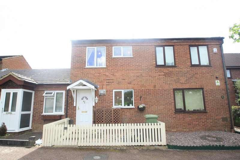 2 Bedrooms Terraced House for sale in Blackmoor Gate, Furzton, Milton Keynes