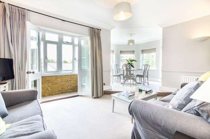 2 Bedrooms Flat for sale in Clayton House, 50 Trinity Church Road, Barnes