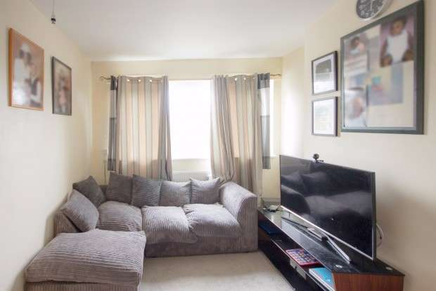 1 Bedroom Flat for sale in Samuel Street, Woolwich, SE18