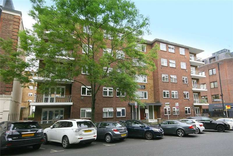 3 Bedrooms Flat for sale in Carrington Lodge, Sheen Road, Richmond, Surrey, TW9