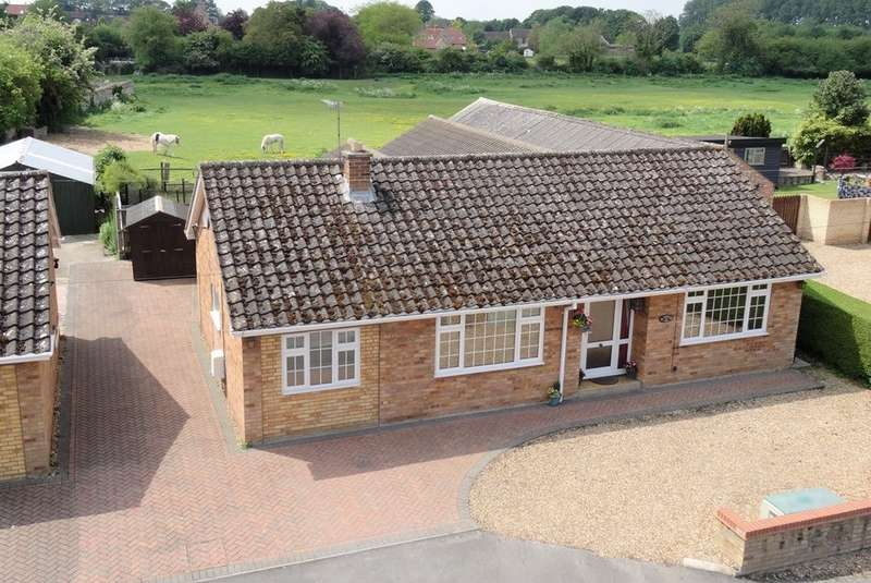 4 Bedrooms Detached Bungalow for sale in Pound Lane, Isleham, CB7 5SF