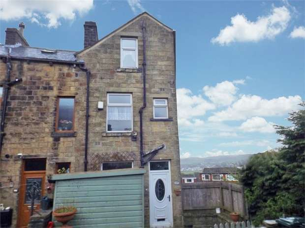 4 Bedrooms End Of Terrace House for sale in John Street, Oakworth, Keighley, West Yorkshire