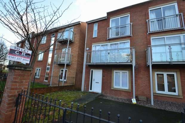 4 Bedrooms Terraced House for rent in Jackson Crescent Hulme, M15 5aa Manchester