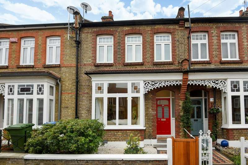 3 Bedrooms Terraced House for sale in Eversley Road, London, SE7