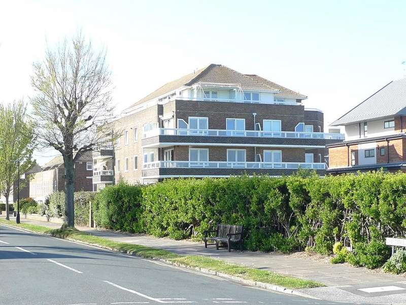 3 Bedrooms Apartment Flat for sale in 57 Chesterfield Road, Eastbourne, BN20