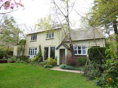 3 Bedrooms Detached House for sale in Rowen, Conwy, Conwy, LL32