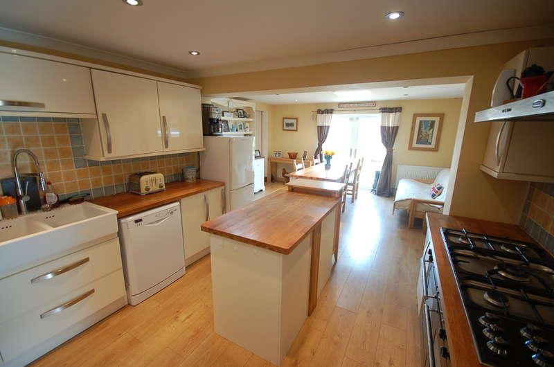 5 Bedrooms Detached Bungalow for sale in Sandgalls Road, Lakenheath