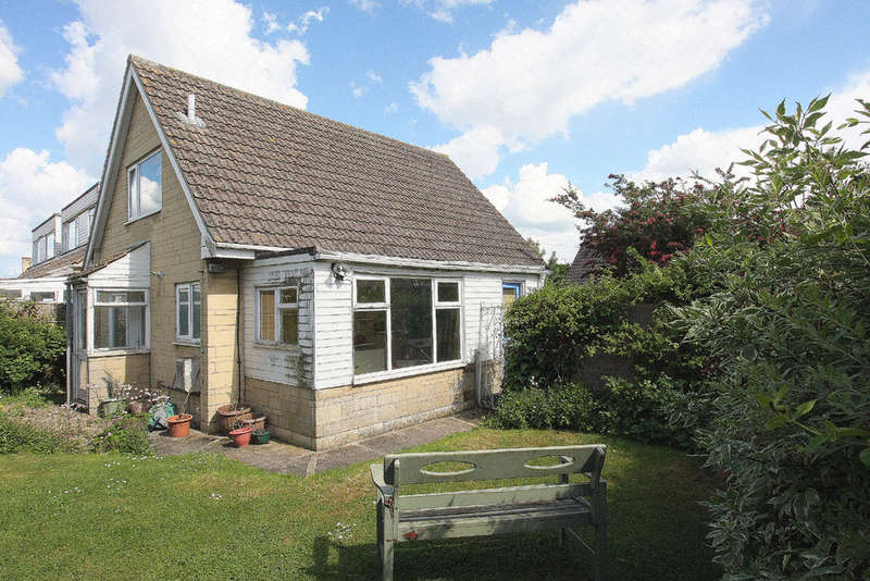 4 Bedrooms Detached House for sale in Savernake Avenue, Melksham