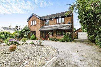 3 Bedrooms Detached House for sale in Garstang Road, Barton, Preston, Lancashire