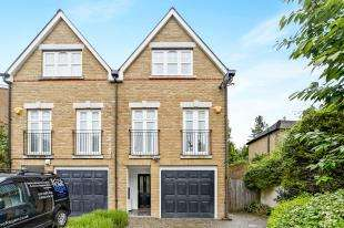 3 Bedrooms Semi Detached House for sale in Purley Oaks Road, Sanderstead, South Croydon