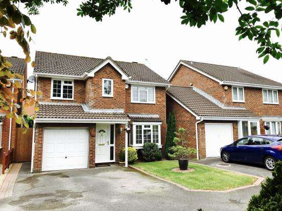 4 Bedrooms Detached House for sale in Basingstoke, Hampshire