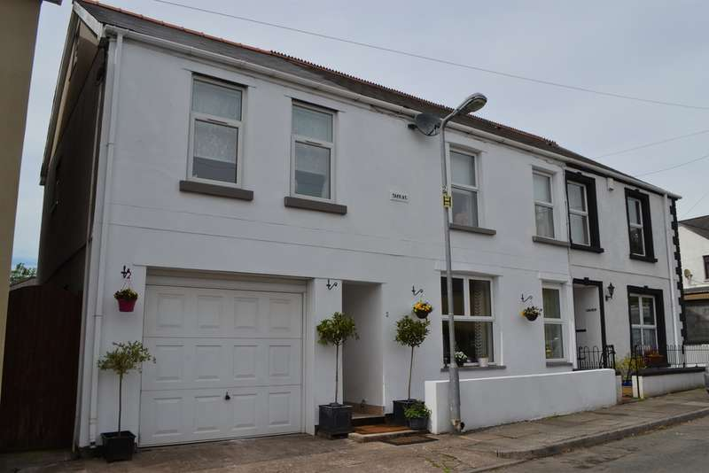 4 Bedrooms Semi Detached House for sale in Taff Street, Tongwynlais, Cardiff