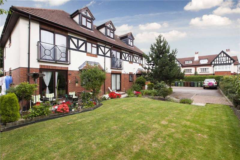 2 Bedrooms Flat for sale in Lime Tree Court, West Park Drive, LS16