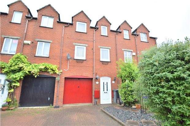 3 Bedrooms Property for sale in Overbury Road, GLOUCESTER, GL1 4EA