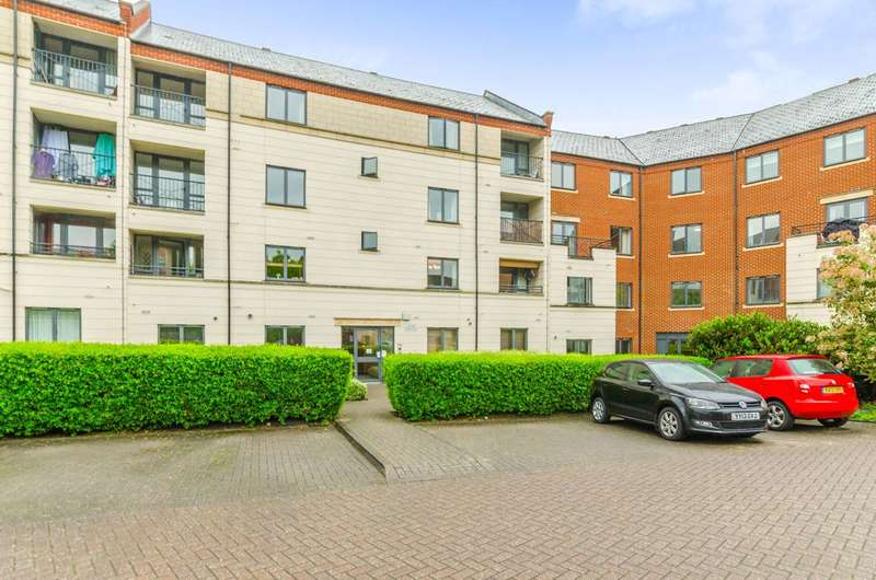 2 Bedrooms Flat for sale in Manor Gardens, Holloway, N7