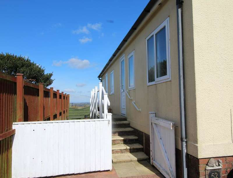 1 Bedroom Detached Bungalow for sale in Resugga Green, St. Austell, PL26