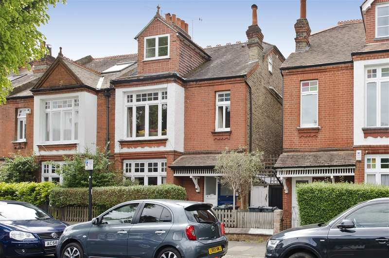 1 Bedroom Flat for sale in Gainsborough Road, Chiswick