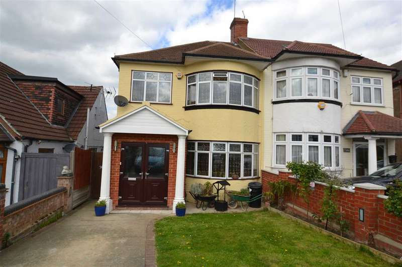 4 Bedrooms Semi Detached House for sale in Stradbroke Grove, Ilford