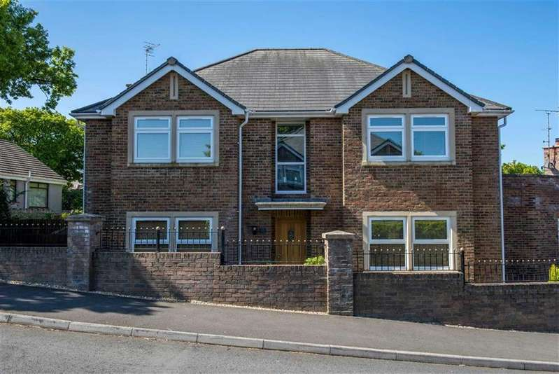 4 Bedrooms Detached House for sale in Moorland Avenue, Newton, Swansea