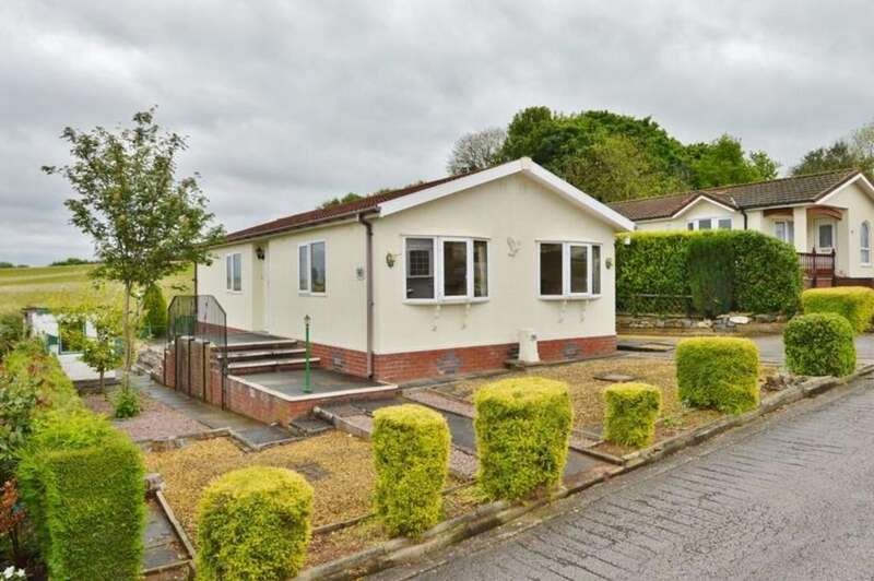 3 Bedrooms Mobile Home for sale in Lower Lodge Park, Armitage