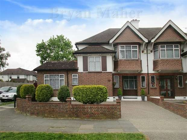 4 Bedrooms Semi Detached House for sale in Shaftesbury Avenue, HARROW