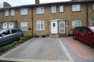 3 Bedrooms Terraced House for sale in Shaftesbury Road, Carshalton