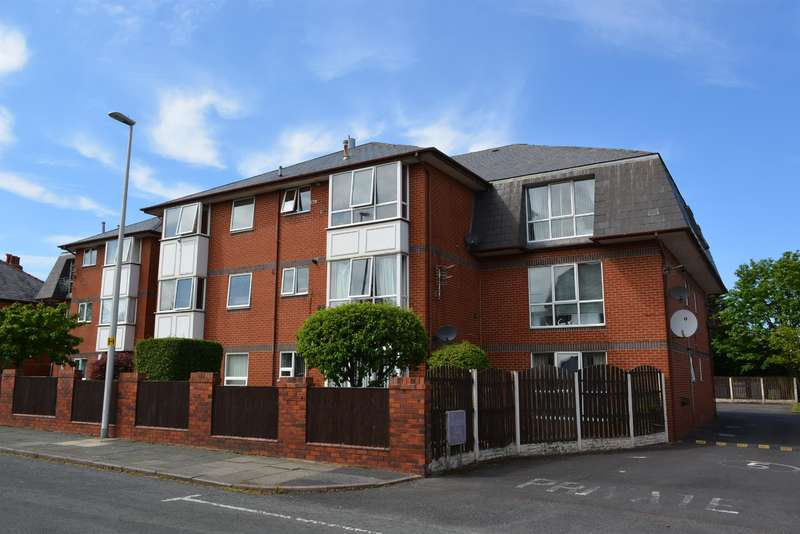 2 Bedrooms Ground Flat for sale in Somerset Court, Stanley Park, Blackpool, FY1 5QQ
