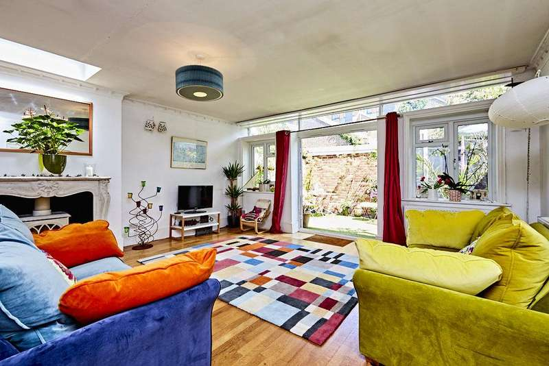 3 Bedrooms Ground Flat for sale in Agnes Road, Acton, London, W3