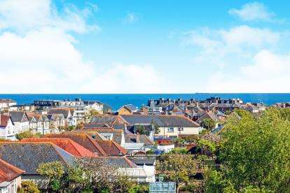 4 Bedrooms Detached House for sale in Sandown, Isle Of Wight