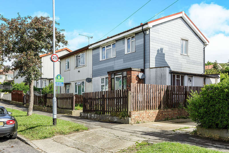 3 Bedrooms Semi Detached House for sale in Elkstone Road, Portsmouth, PO6