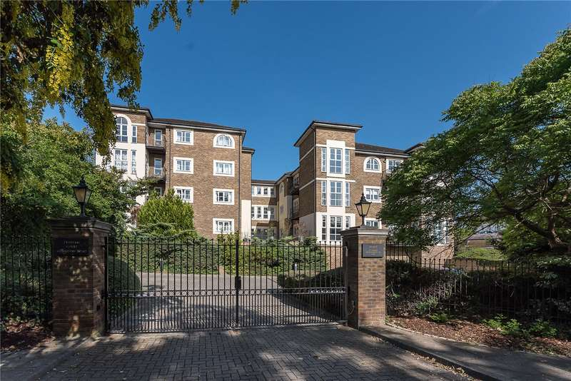 2 Bedrooms Flat for sale in Evesham Court, 67 Queens Road, Richmond Hill, TW10