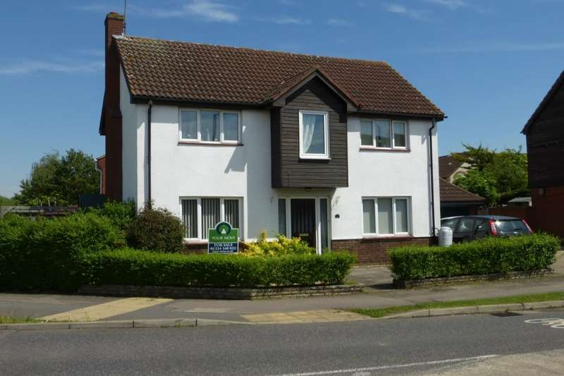 4 Bedrooms Detached House for sale in Glenavon Road, Bedford, MK41