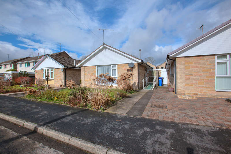 2 Bedrooms Detached Bungalow for sale in 14 Five Trees Drive, Dore, S17 3LX