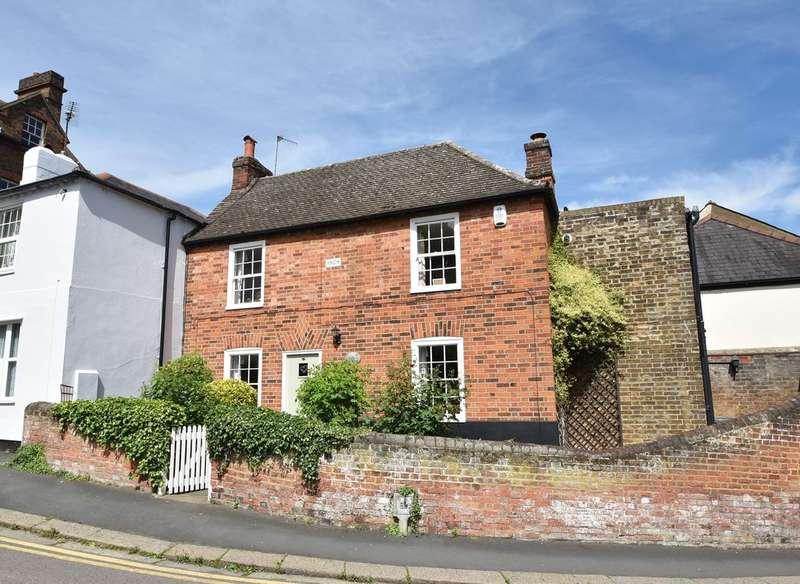 2 Bedrooms Cottage House for sale in Church Street, Bishop's Stortford