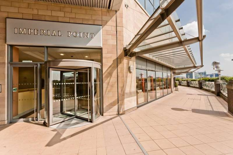 2 Bedrooms Flat for sale in Imperial Point, Salford Quays