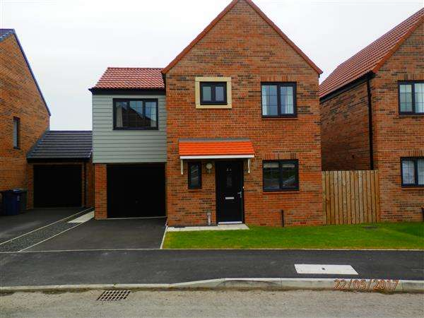 3 Bedrooms Detached House for sale in Walkerfield Court, Newcastle upon Tyne