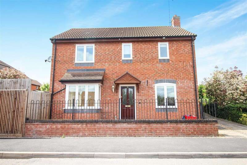 3 Bedrooms Detached House for sale in Badgers Retreat, Millpool Meadow, Leamington Spa