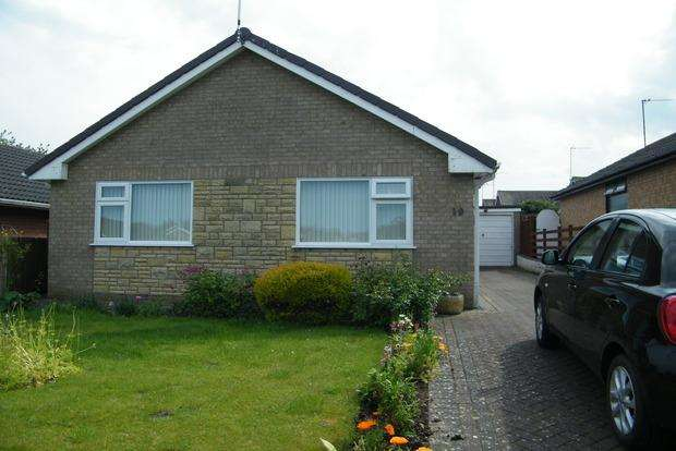 2 Bedrooms Bungalow for sale in Walls Avenue, Burgh Le Marsh, Skegness, PE24