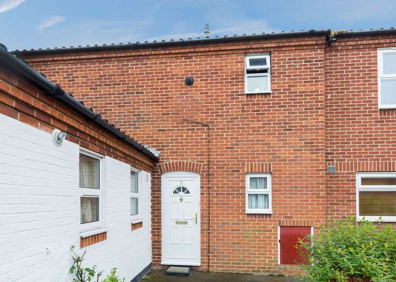 3 Bedrooms Terraced House for sale in Tribune Court, Cambridge, Cambridgeshire, CB4 2TU