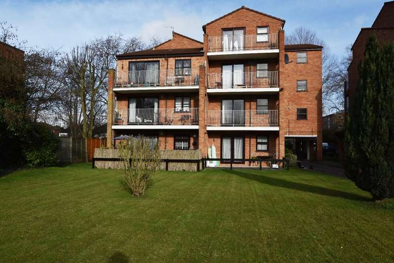 Studio Flat for sale in Brackley Road Beckenham BR3