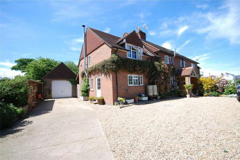 3 Bedrooms Semi Detached House for sale in Bentworth, Hampshire, GU34