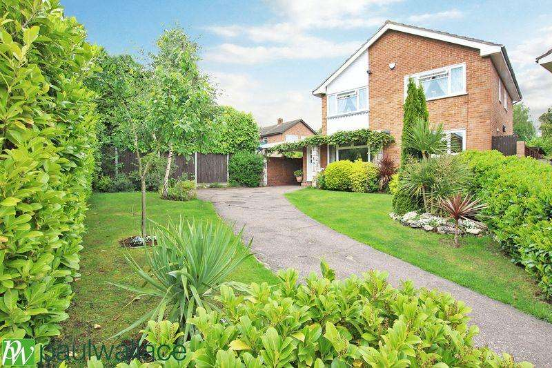 4 Bedrooms Detached House for sale in Bassingbourne Close, Broxbourne