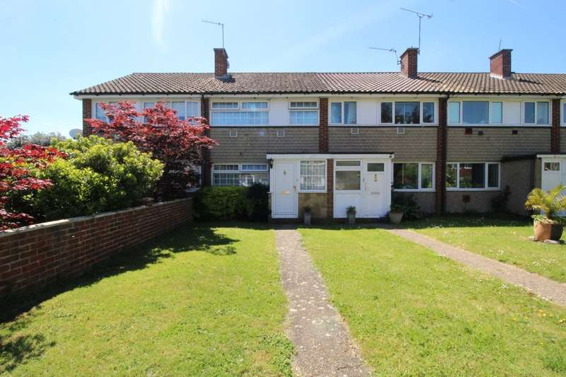 3 Bedrooms Property for sale in Mountsfield Close, Staines-Upon-Thames, TW19
