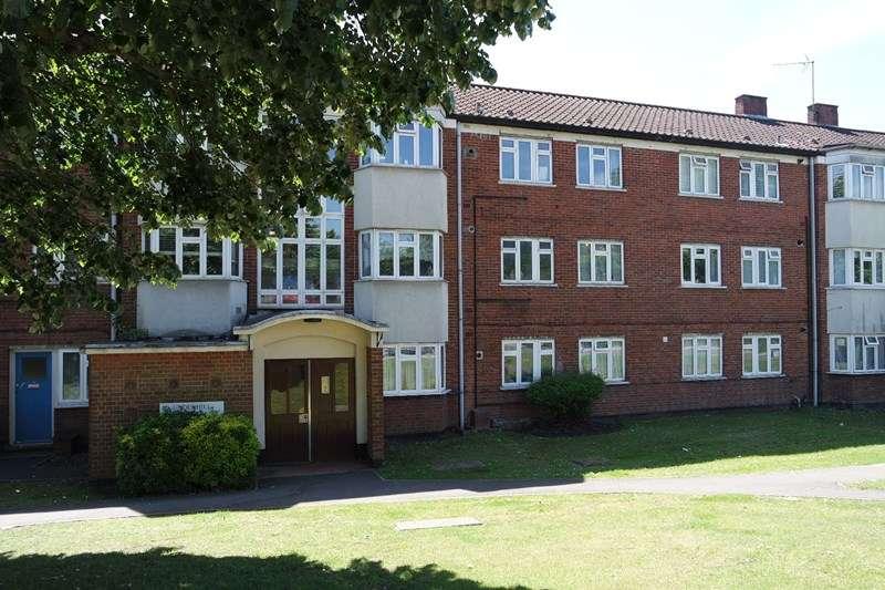 2 Bedrooms Flat for sale in Underhill, Barnet