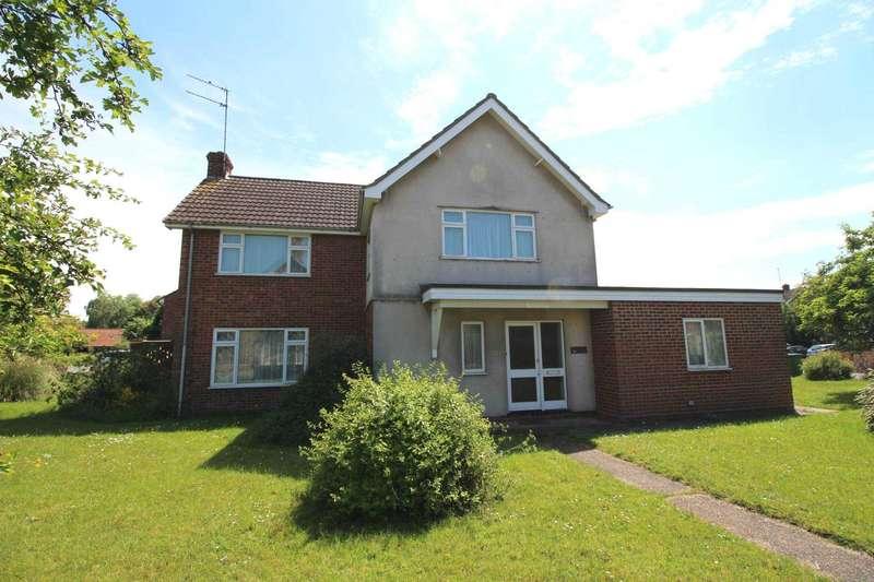 4 Bedrooms Detached House for sale in Crescent Road, Heybridge