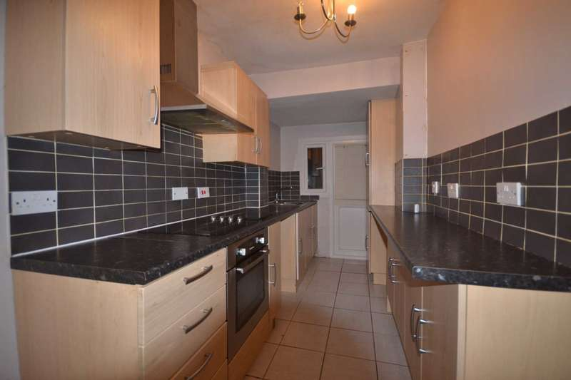 3 Bedrooms Semi Detached House for sale in New Road, Chelmsford